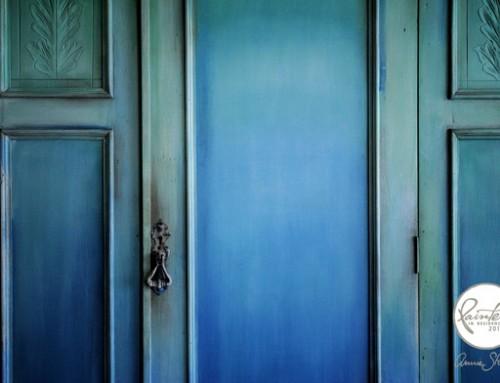 A nagy kék ombre ruhásszekrény| PAINTER'S IN RESIDENCE BY ILDIKO HORVATH